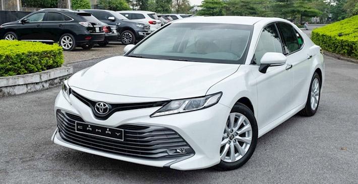 Toyota Camry 2.0G: Thông số kỹ thuật, giá lăn bánh