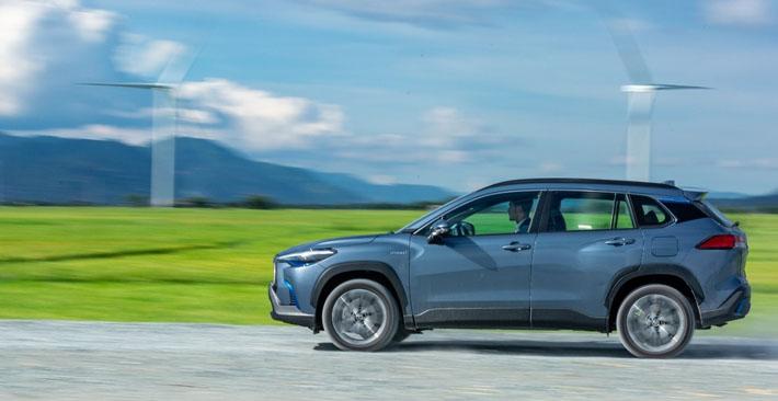 Công nghệ hybrid giúp Corolla Cross tiết kiệm xăng hơn 57%