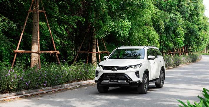 Toyota Fortuner: Bảng giá lăn bánh, ưu đãi 2021